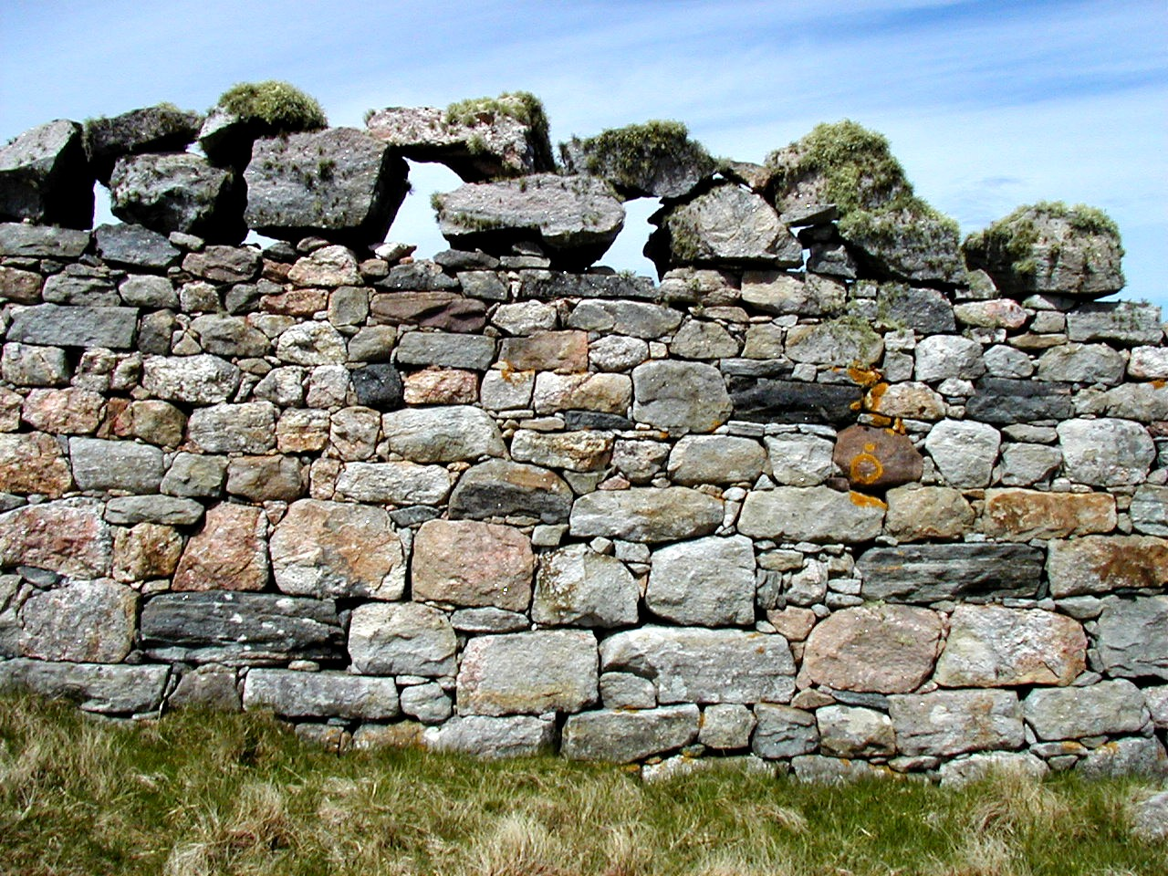 A wall at Cape Wrath on the northwest coast of Sutherland in the north of Scotland. Image courtesy of Donald Mitchell, Durness, Sutherland.