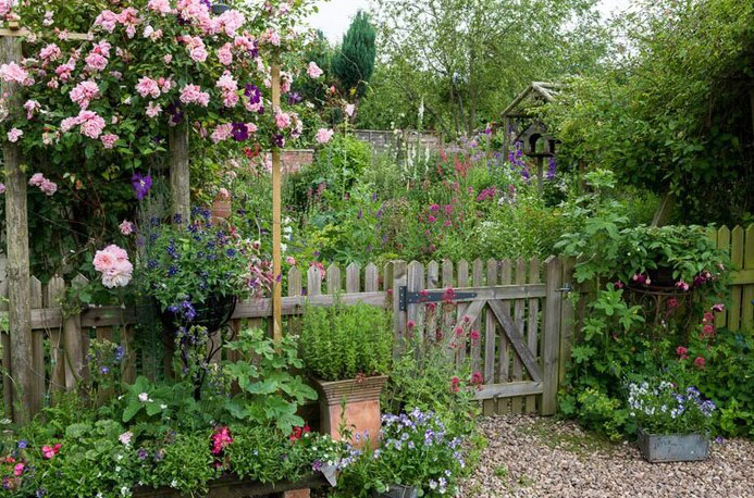 The Art of the Cottage Garden with Andrew Pighills